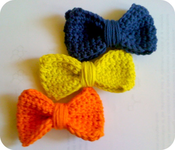 Chrochet Bows. I can do this.