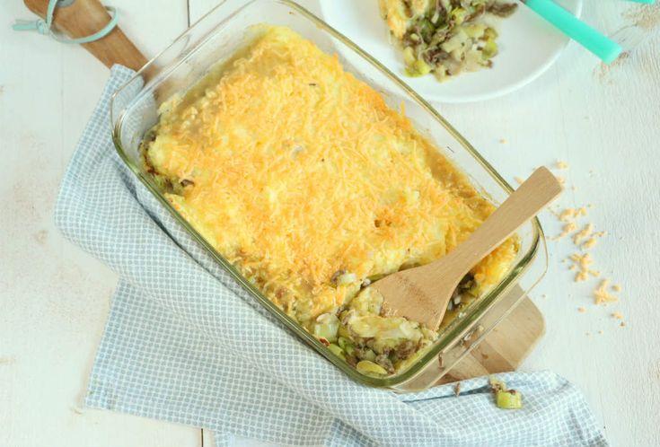 Comfort food ten top met deze prei ovenschotel met gehakt. Ik geef hier mijn eigen twist aan en geef je tips hoe je een vochtige ovenschotel voorkomt.