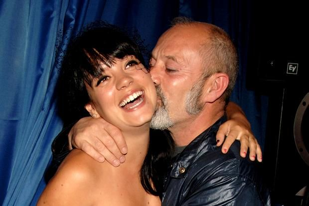 who is lily allen dating now Lily collins lily jane collins (born 18 march 1989) is a british-american actress, model, and writer the daughter of english musician phil collins, and an american.