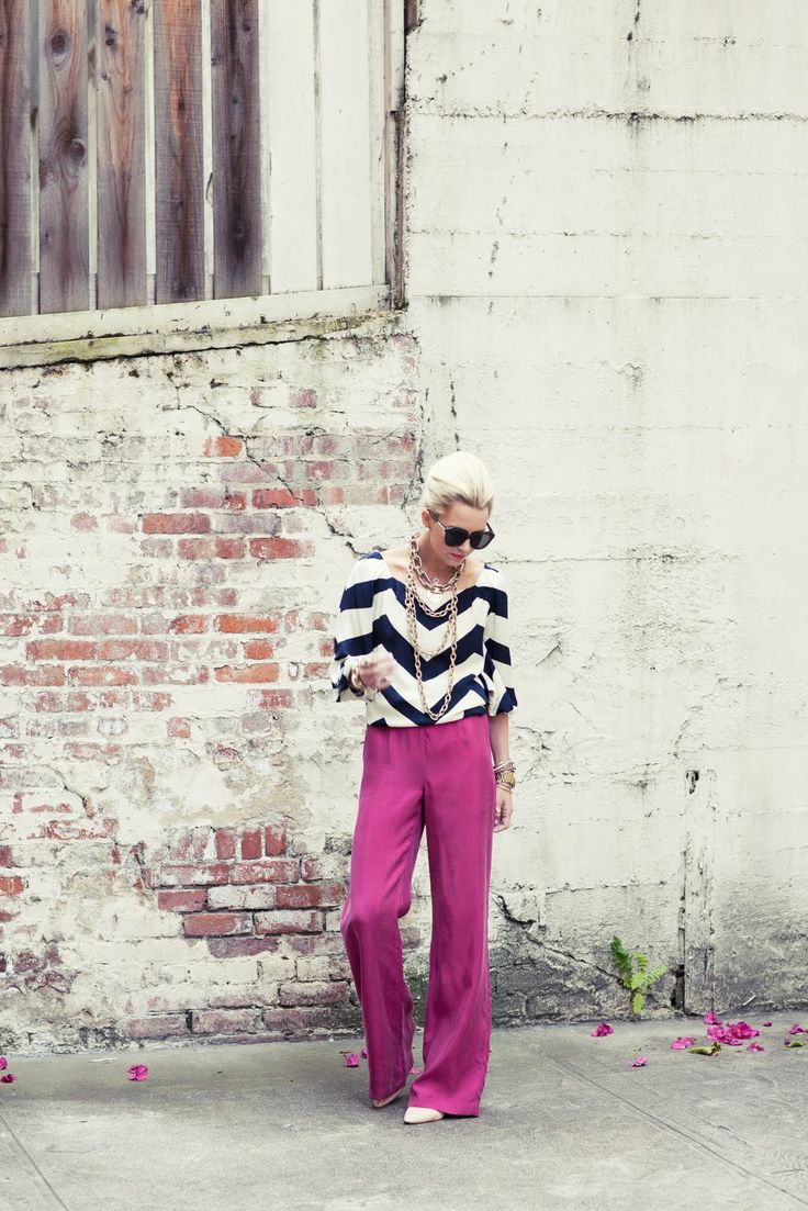 Gorgeous outfit!: Colors Combos, Wide Legs Pants, Style, Pink Pants, White Shirts, Summer Outfits, Chevron Tops, Summer Clothing, Chevron Stripes