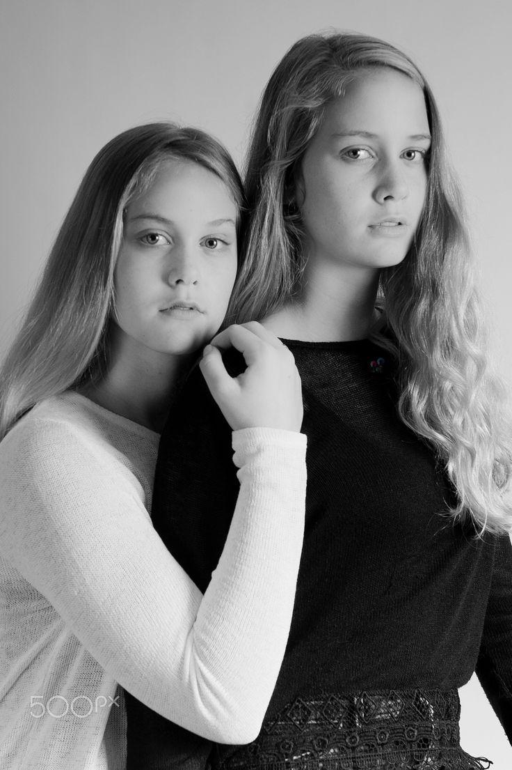 Esmee & Marlou - Photoshoot Twins