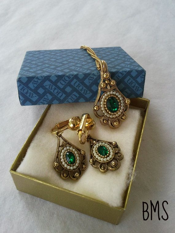 Vintage Gold Pearl Amp Emerald Jewelry Set By Avon Gold