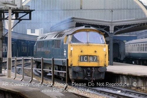 Colour Photo of BR Class 52 Western Diesel at Paddington 1974Click to buy now from the RailPicsGB Online Shop #Railway #Class52 #BR #BritishRail #RailBlueLivery
