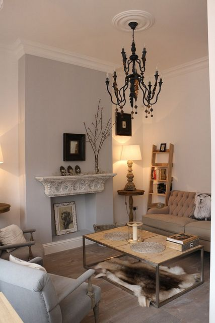 Small victorian apartment living room by Donna Aragi, love this except the rug is off