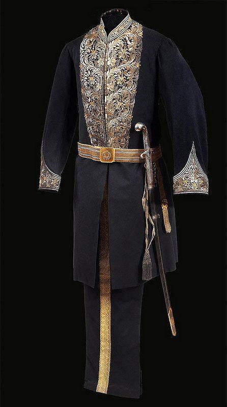 Sultan II. Abdülhamid Tuğralı Kılıç, Ceket ve Pantolonlu elbise takımlı Osmanlı Paşa Kıyafeti | par OTTOMAN IMPERIAL ARCHIVES