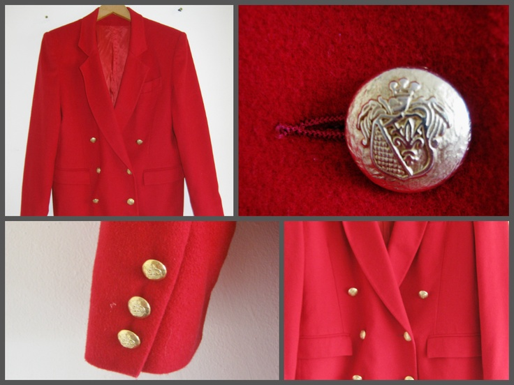 Wool and Cashmere coat with gold buttons... Such a beauty! Buy it here: https://www.facebook.com/photo.php?fbid=393890674058326=pb.357110221069705.-2207520000.1369612750.=3