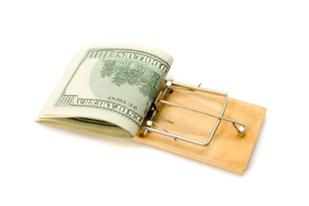 Как не попасть в финансовую ловушку и выкарабкаться из долговой ямы