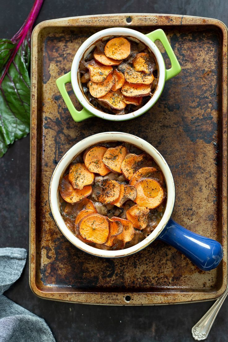 Vegan Mushroom Pot Pie With Sweet Potato Crust Vegan Richa Recipe In 2020 Recipes Sweet Potato Toppings Stuffed Mushrooms