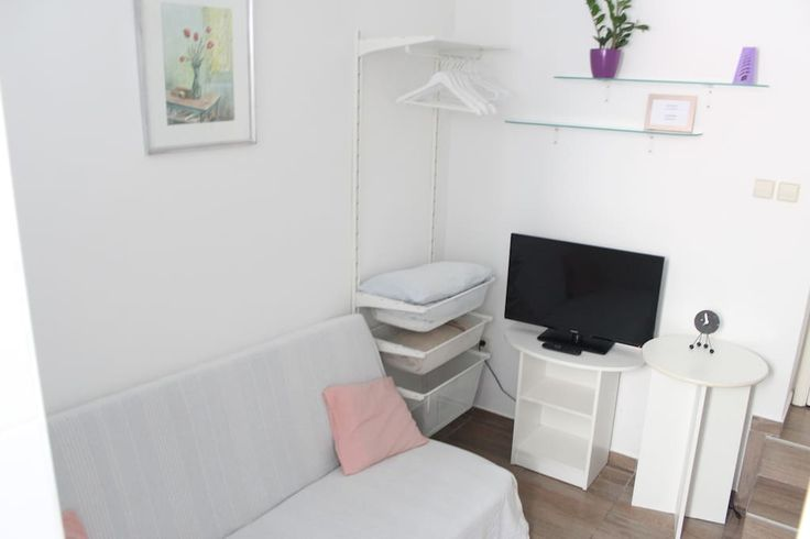 Celý dům/byt v Split, Croatia, HR. Welcome to the apartment, which is located in an old neighborhood in a quiet part of town where you can feel the experience of the Mediterranean lifestyle. Diocletian Palace is located 5 minutes from the house where you will be a pleasure to stay....