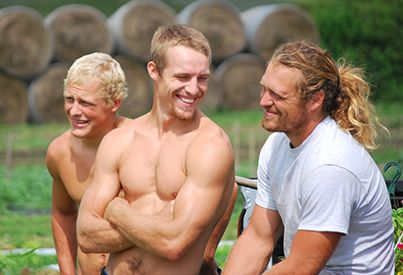 Great group shot! #FarmKings