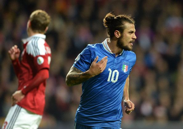 Dani Osvaldo - Bun (From Side)