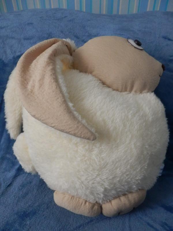 """Авторская интерьерная подушка """"Заяц"""".  Из очень мягкой и приятной на ощупь махры велсофт (гипоаллергенный материал) и трикотажа. Наполнитель - холлофайбер. Высота 35 см, ширина 33 см, длина ушка 23 см     .."""