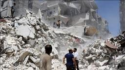 Halep'e varil bombalı saldırı: 20 ölü, 25 yaralı Suriye ordusuna ait helikopterin Halep'te Meşhed semtine düzenlediği varil bombalı saldırıda 20 kişi öldü, 25 kişi yaralandı.