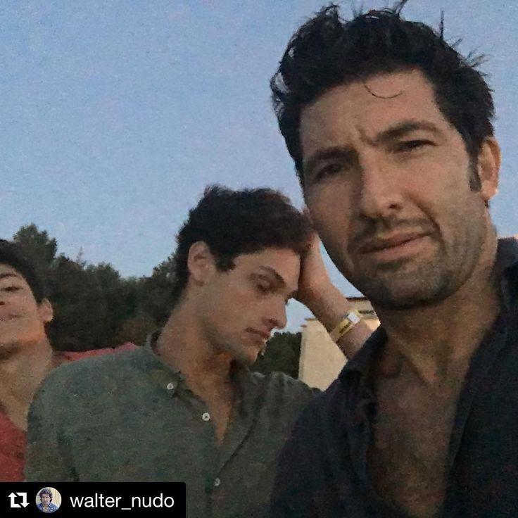 #Repost @walter_nudo ・・・ Le vacanze sono stancanti :)) #vacanze #beach #sun #sole #joy #trio #lecaledotranto - http://www.lecaledotranto.com