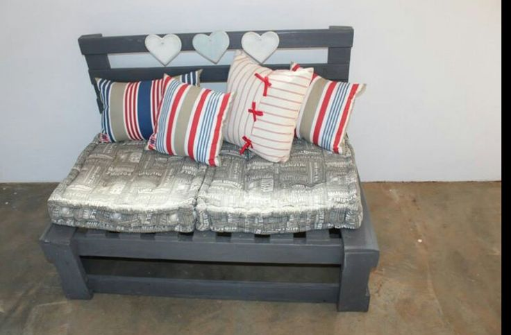 Love this pallet bench