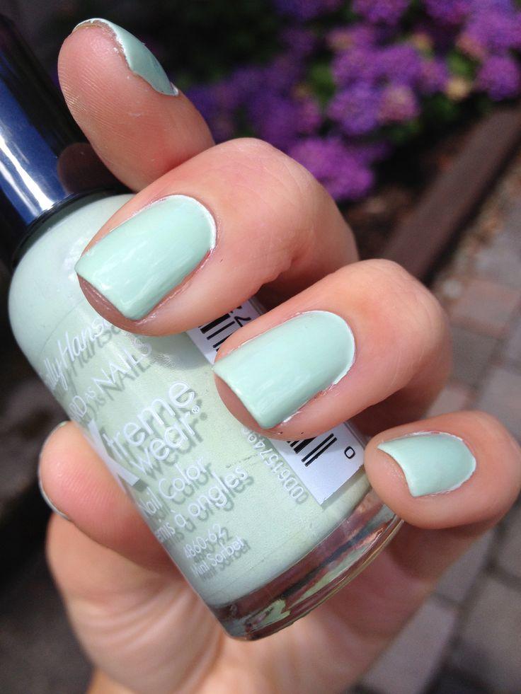 Sally Hansen 'Mint Sorbet' Nails