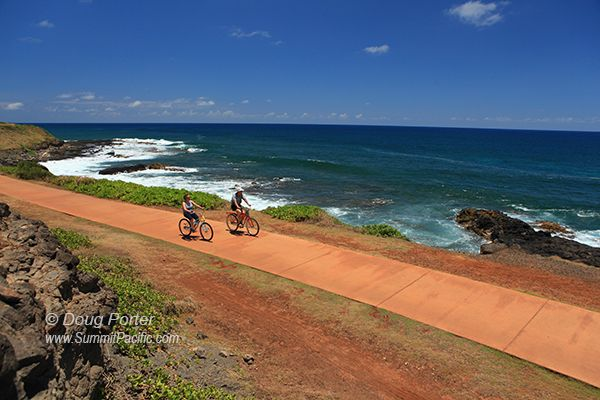 Kauai Path runs for nearly 10 miles along the east coast of Kauai from Lydgate Park north through the town of Kapa'a and past Kealia Beach.