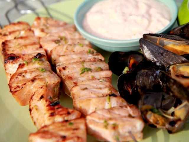 Grillspett med lax, ingefära och lime (kock Lisa Lemke)