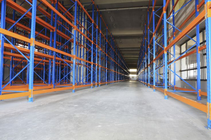 Simply rack has an extensive line of USED and NEW selective pallet racking systems, as well as high-density pallet racking systems.  High density systems include push back rack, pallet flow rack, and drive-in rack.