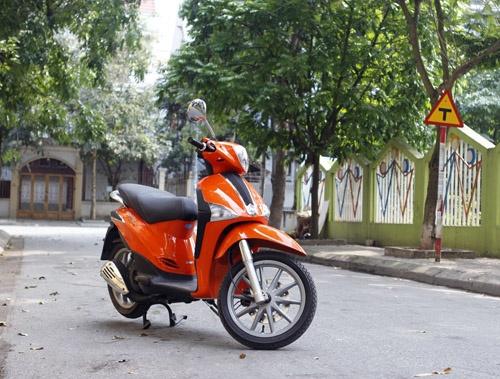 Chạy thử Liberty 125 3V i.e: Xe bốc, máy êm - http://xeoto.asia/chay-thu-liberty-125-3v-i-e-xe-boc-may-em.shtml