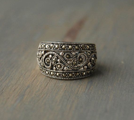 Vintage Sterling Silver Marcasite Studded Ring with Scroll Spiral Pattern