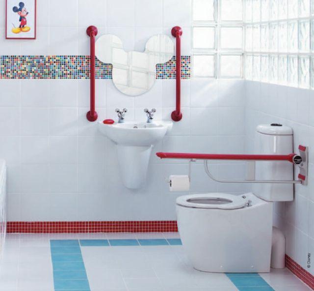 Salle de bain enfant à la décoration Disney