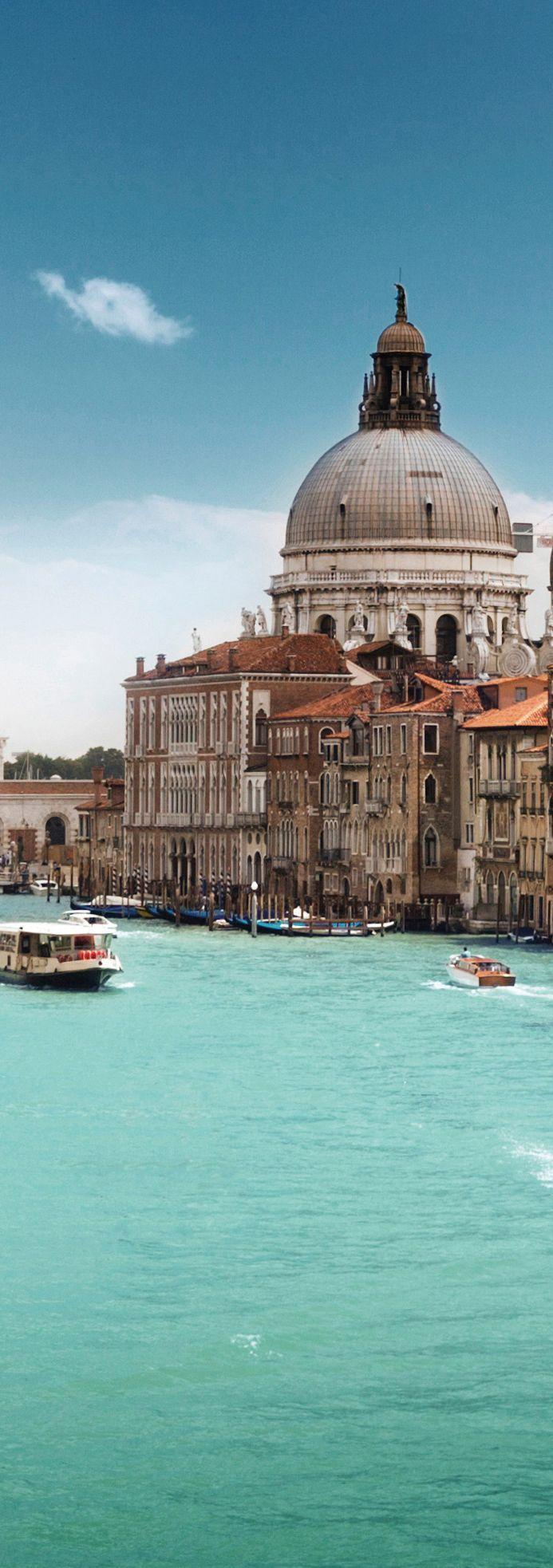 Santa Maria Della Salute Church, Venice, Italy http://mundodeviagens.com/ - Existem muitas maneiras de ver o Mundo. O Blog Mundo de Viagens recomenda... TODAS!
