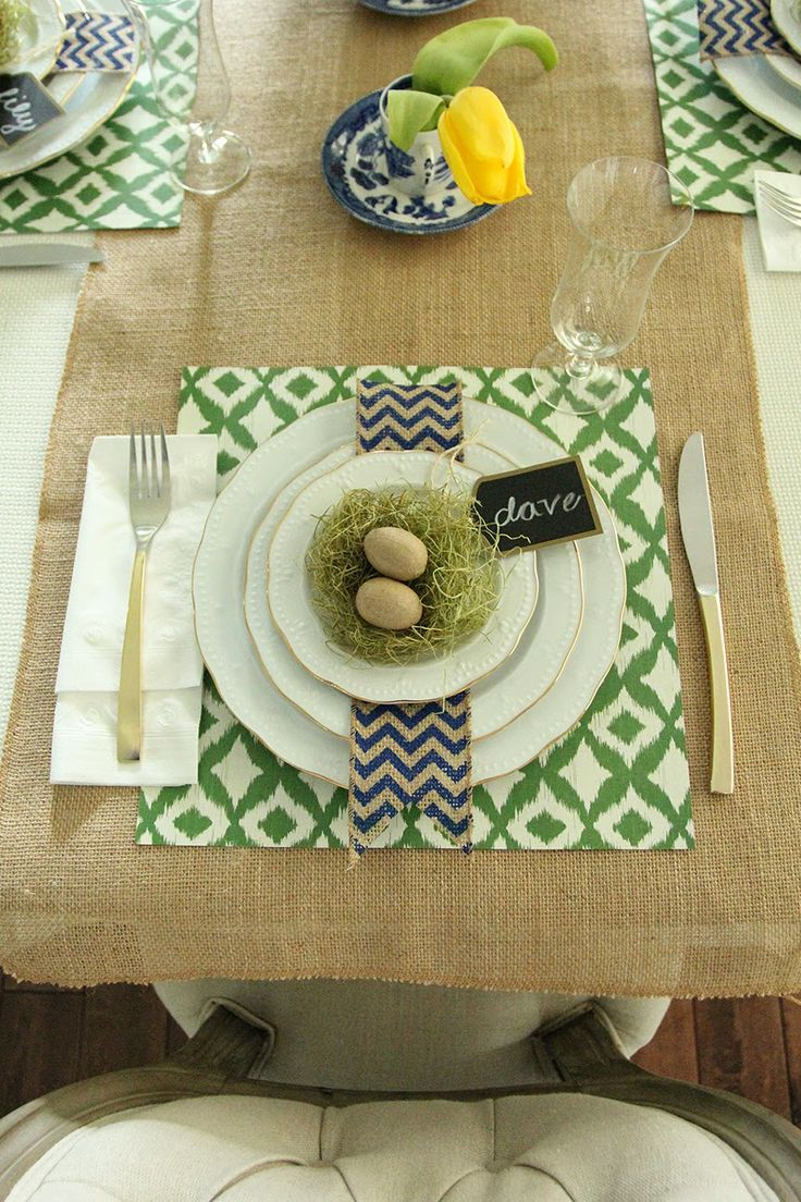 Quick and Easy Easter Table >>great ideas for use-what-you-have decorating!