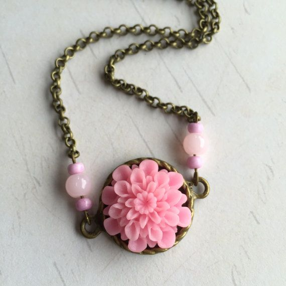 Pink Chrysanthemum Cabochon Flower Necklace // Gifts for Her // Bridesmaid Gift #necklace #flowerjewelry