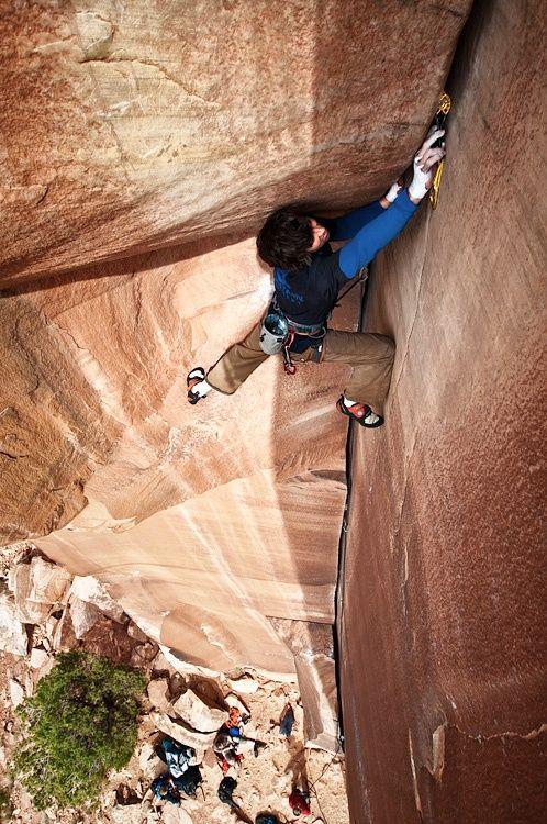 indian creek crack climbing wallpaper