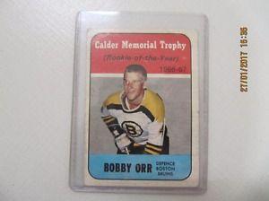 Classic Bobby Orr Calder Memorial Trophy Card 118 Circa 1966-67
