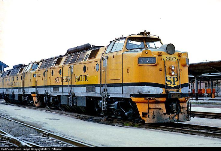 RailPictures.Net Photo: SP 9022 Southern Pacific Railroad Krauss-Maffei ML-4000 at Sacramento, California by Steve Patterson