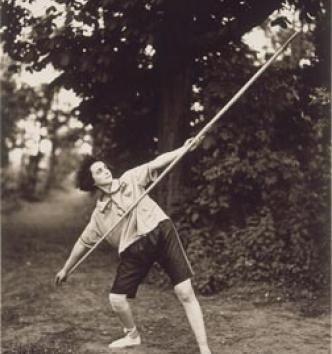 Le lancer de javelot dans le parc de Saint-Crépin, 5 juin 1921