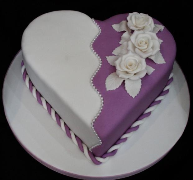 Dort marcipánový * k narozeninám - srdce dvoubarevné, zdobené růžemi ♥♥♥