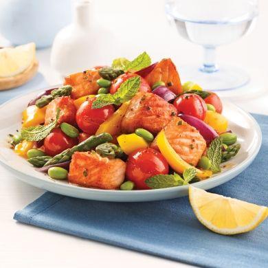 Saumon, edamames et légumes sur la plaque - Soupers de semaine - Recettes 5-15 - Recettes express 5/15 - Pratico Pratique