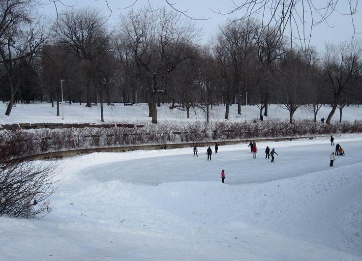 Patin à glace au Parc La Fontaine http://bit.ly/wmiZXy