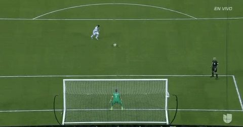 New trending GIF tagged argentina messi chile ca2016 copa...