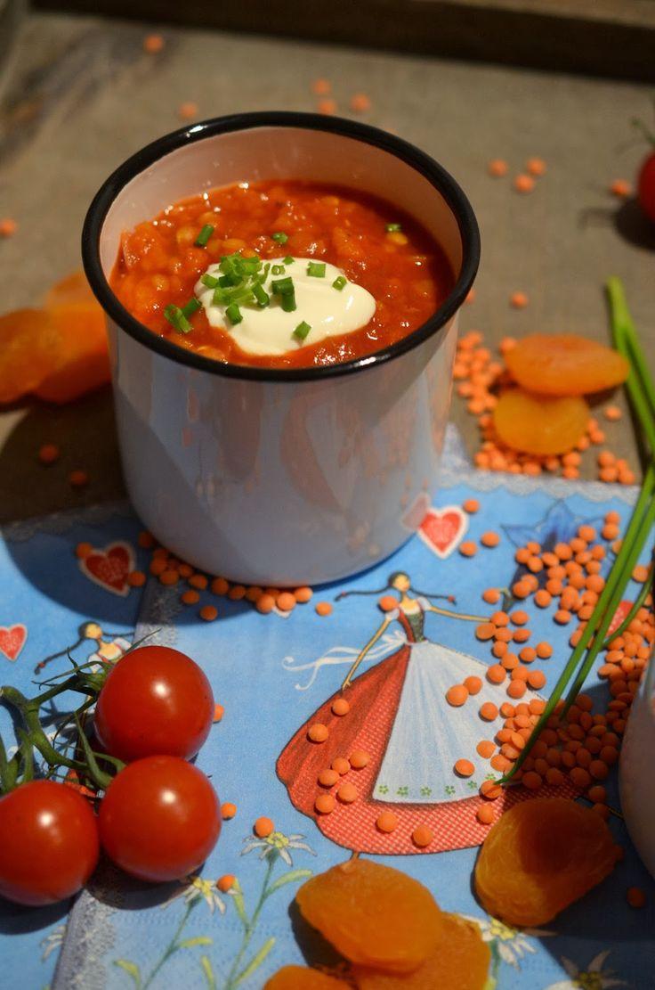 Ninas kleiner Food-Blog: Linsen-Tomaten-Eintopf mit Aprikosen (oder doch Suppe?)
