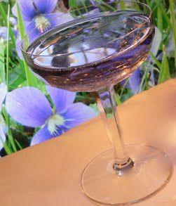 The Aviatrix- Creme d'Yvette violet liqueur, gin, maraschino liqueur & lemon juice. Tastes like a sweetart.