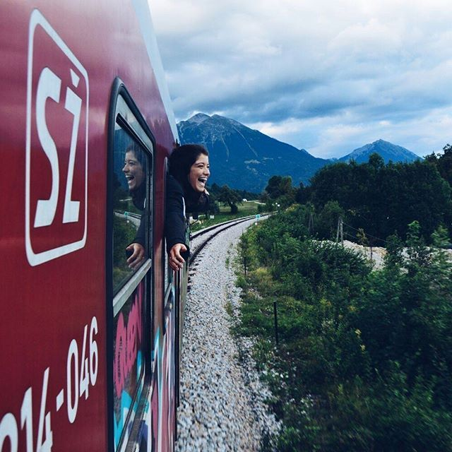 Interrail auf dem Balkan 'This is what happens when you are alone in a Slovenian local train, pure happiness!'😄Thanks to @analves1 for the fun photo! Location: Triglav National Park on our way to Bled. Share your own experiences with us on upload.interrail.eu!