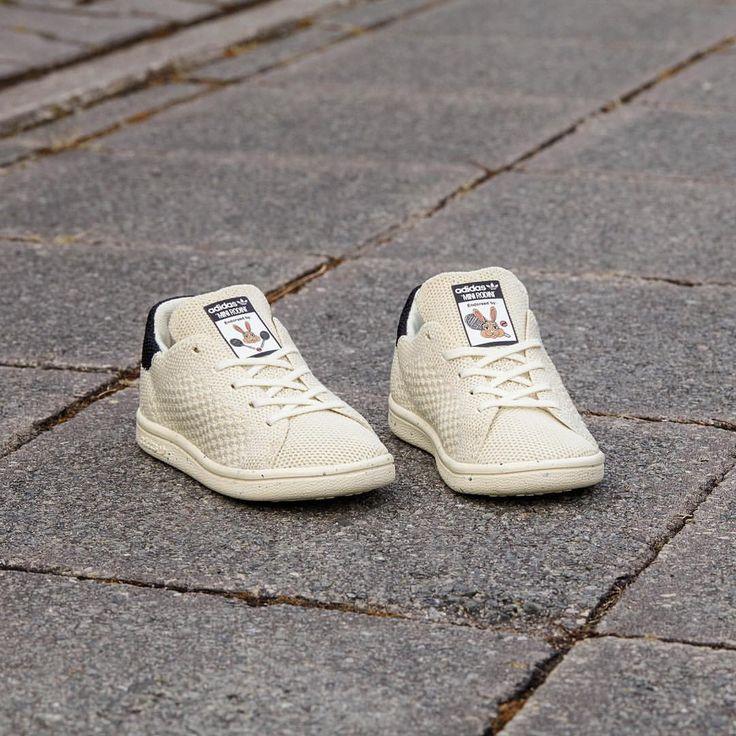 231a7e3213b adidas v2 receipt adidas stan smith vulc black and white Equipped ...