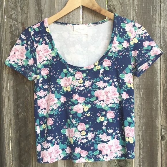Super Cute Cropped Floral Print Tee Super cute and feminine cropped floral print tee by Idlewild. Only worn once. Like new condition. Bought at Nordstrom. Top is size medium and is fitted. Feel free to ask any questions! XOXO! ❤️ Idlewild Tops