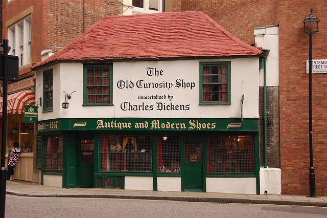 The Old Curiosity Shop The oldest shop in London. Lots and lots of nick nacks