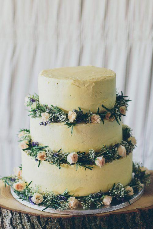 Hochzeitstorte rustikal weiß grün