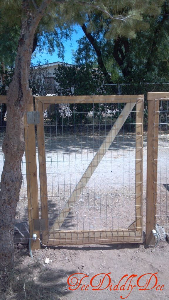 how to build a gate for a privacy fence woodworking. Black Bedroom Furniture Sets. Home Design Ideas