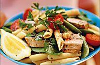 Pasta fredda con tonno, pomodorini e piselli