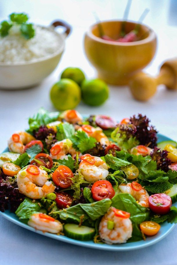 Pożywna sałata z tajskimi krewetkami.