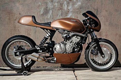 Honda Hornet Cafe Racer by Studiofibre #motorcycles #caferacer #motos   caferacerpasion.com