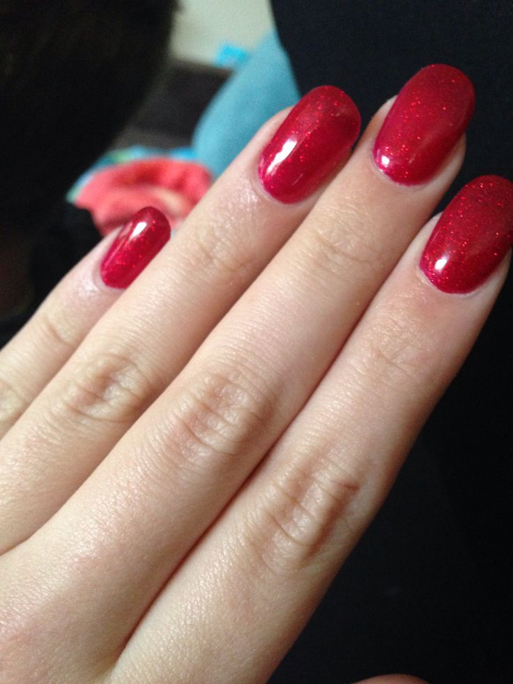 Red sparkles. Shellac. Rounded. 230814