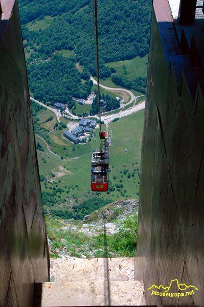 Teleferico de Fuente De desde su estacion superior: El Cable, Liebana, Cantabria, Picos de Europa